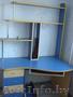 компьютерный стол сине-жёлтый